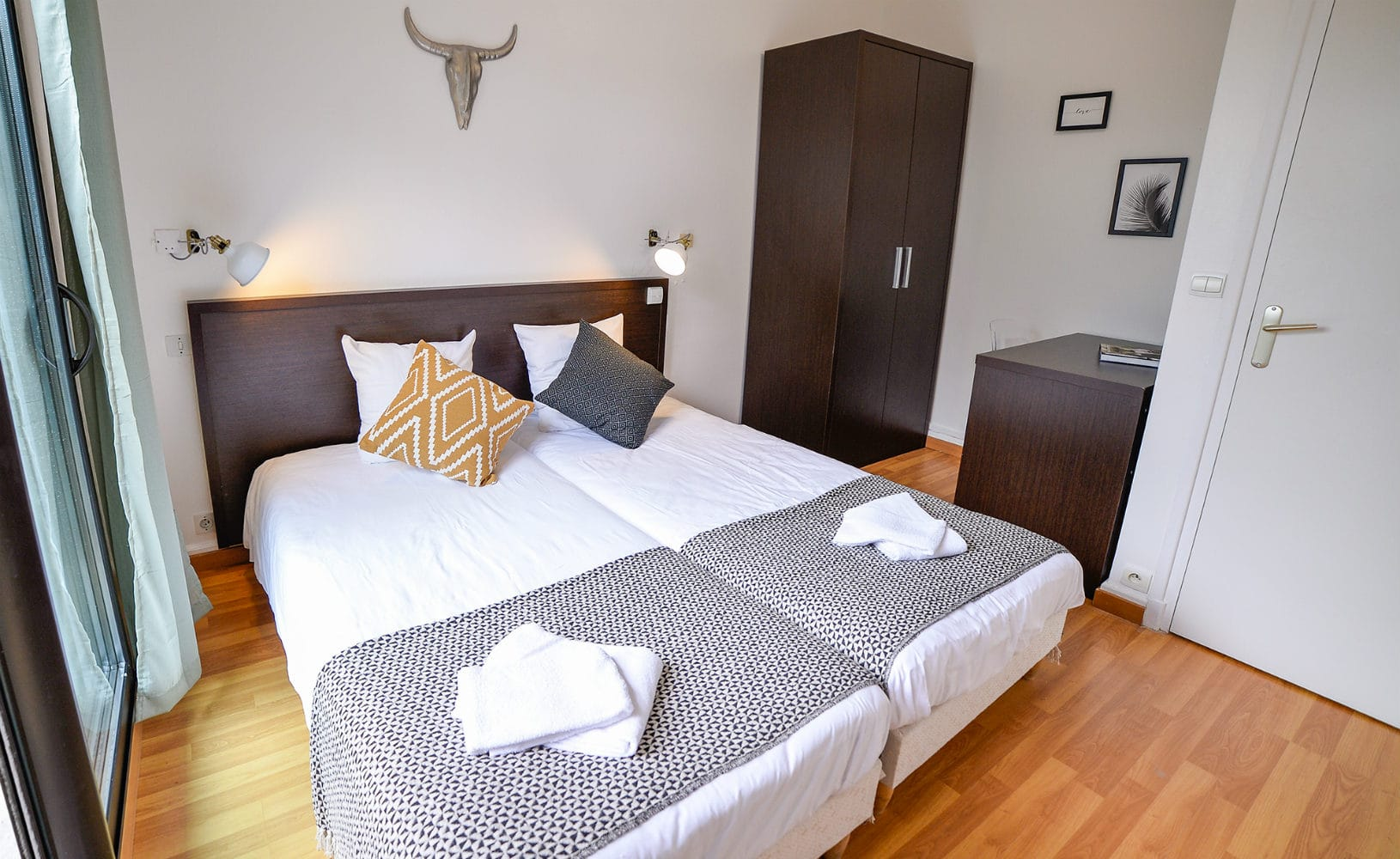 France_Single_Fin_Hotel_twin_room